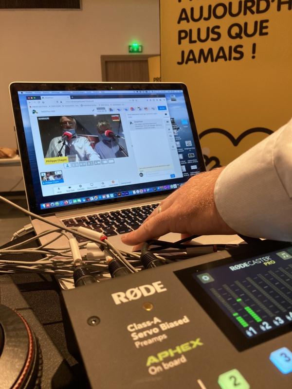 #RadioTour : vous avez désormais la possibilité, depuis votre bureau, de tchater avec les partenaires via le flux vidéo.