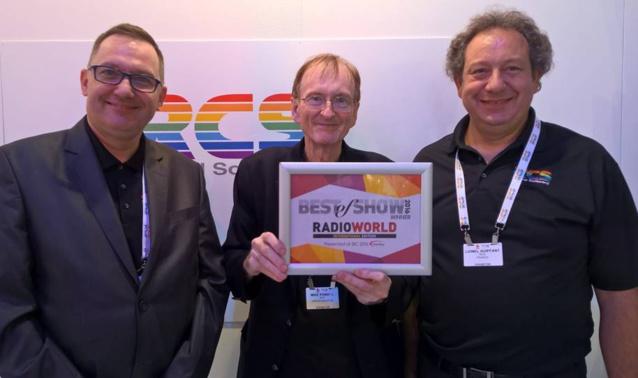 De gauche à droite : Tomasz Dykiert (RCS Pologne), Mike Powell (SVP International Operations) et Lionel Guiffant (RCS France) ont été recompensés pour leur travail et leur implication pour la radio