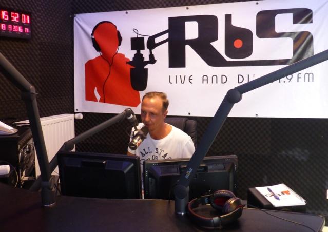 Stéphane Bossler dans le studio de RBS. © Frédérik Stiefenhofer