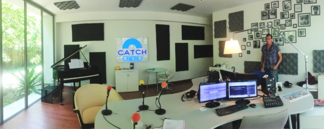 Les studios de The Voice of the Lizard et Catch FM au Twin Palms resort à Phuket - © Olivier Oddou