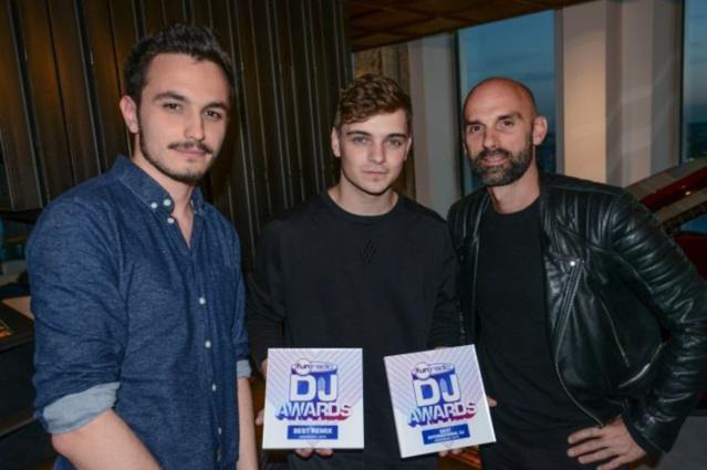 JB et Sébastien Joseph, directeur des programmes de Fun Radio, ont remis ses Awards 2016 à Martin Garrix