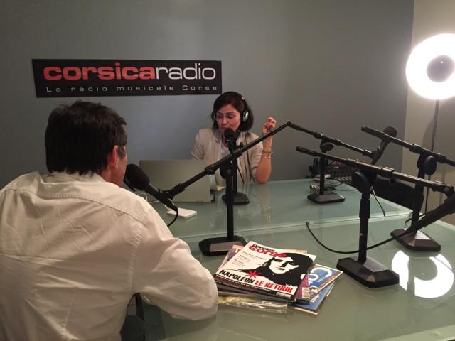 Caroline Ettori aux commandes de Revue de Corse © Corsica Radio