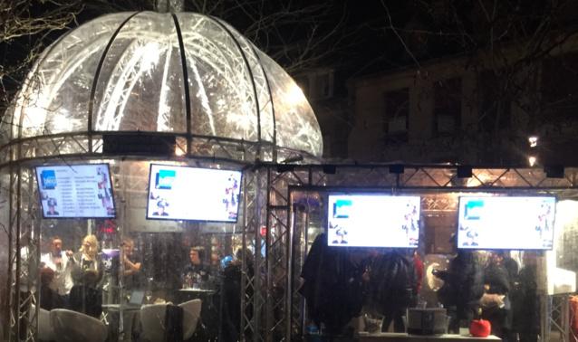 Sous un igloo, France Bleu Champagne-Ardenne s'est installée au marché de Noël de Reims