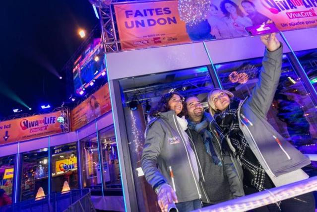 Les 3 animateurs Sara De Paduwa, Ophélie Fontana et Cyril, rentrent dans le cube pour 6 jours et 6 nuits d'enfermement, et 144h de direct sur VivaCité ©Martin Godfroid