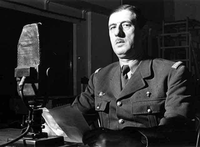Le général de Gaulle prononce un discours en 1941 à la BBC - Crédit : Archives