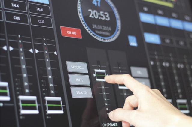 R3LAY : un mixage au doigt et à l'oeil