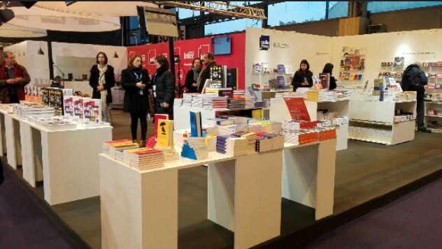 Le stand des Editions Radio France au Salon Livre Paris l'an passé
