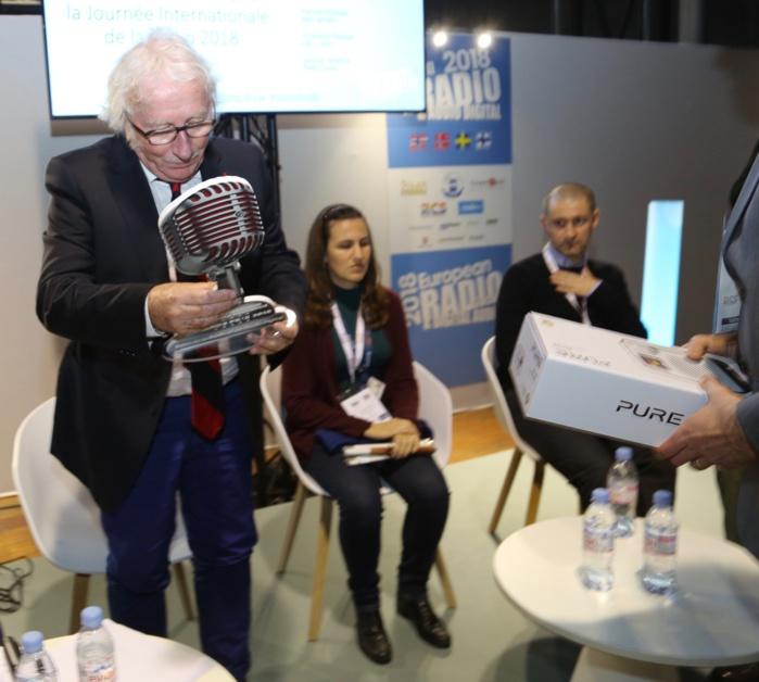 Le sympathique Jacques Vendroux, directeuyr des sports à Radio France, a reçu un Grand Prix Spécial pour saluer l'ensemble de sa carrière © Serge Surpin / La Lettre Pro