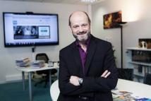 Bruno Burtre apprécie La Lettre Pro de la Radio - Crédit : INA
