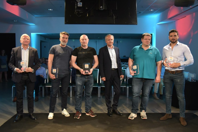 Un trophée pour 9 radios qui délivrent la meilleure diffusion publicitaire : Radio 8, Alouette, Happy Fm, Radiocean, Voltage, RVM, Vibration, Plein Air et RDL