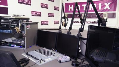Hotmixradio est l'une des rares webradios à disposer de vrais studios.