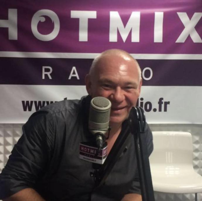 Olivier Riou, venu d'Europe 2, a fondé Hotmixradio en 2006