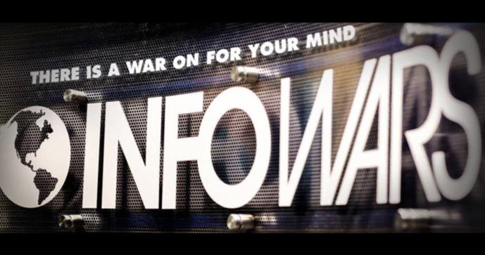 Infowars est un site complotiste très populaire aux Etats-Unis