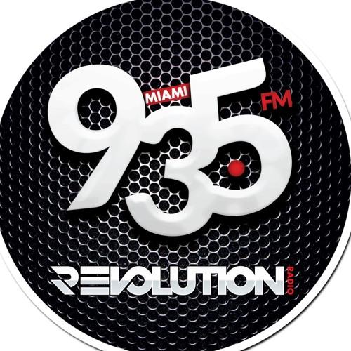 One shot revisite le concept du jingle chanté pour Revolution 93