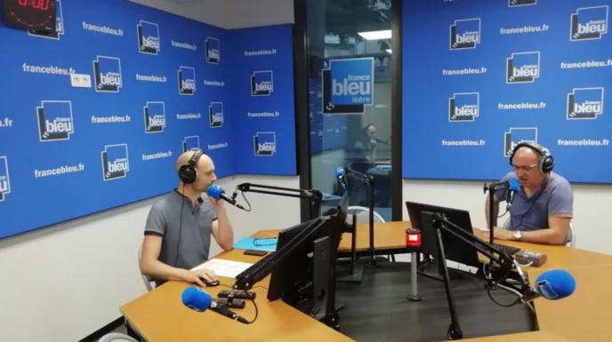 La prise d'antenne, dans les nouveaux locaux de Grenoble © Radio France - Benjamin Bourgine