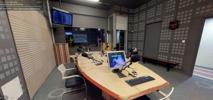 L'école basée à Issy-les-Moulineaux dispose de six studios.
