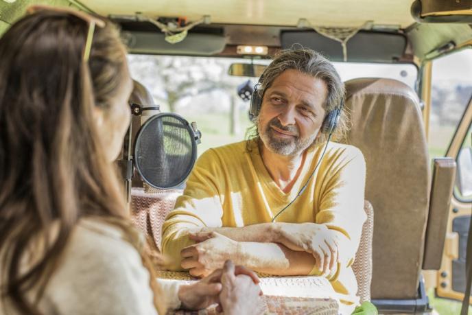 """Un camion aménagé en studio, pour recueillir les confidences des """"sages"""". © D.R."""