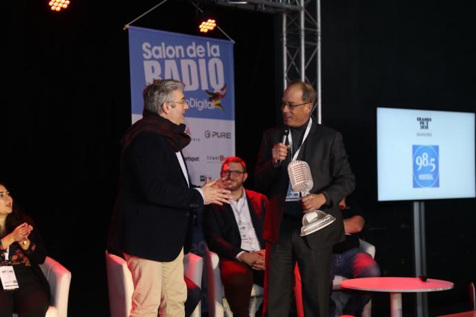 Michel Lorrain, président de Cogeco Média, a reçu ce Grand Prix Radio pour la station 98.5 Montréal (Canada), radio la plus écoutée à Montréal