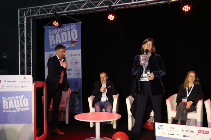 RFI (France) récompensée par un Grand Prix Radio remis à Cécile Mégie