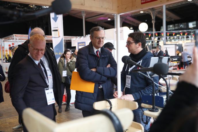 Roch-Olivier Masitre, Président du CSA, accompagné de Nicolas Curien et Hervé Godechot, ont pris le temps de rencontrer les exposants et d'échanger avec les radios présentes