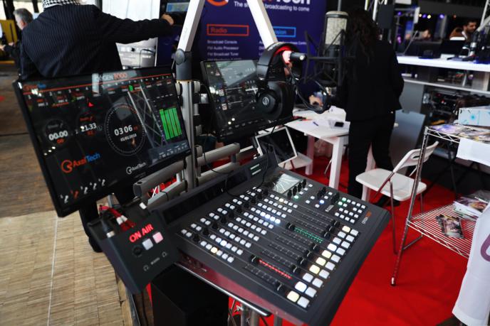 Le Salon de la Radio et de l'Audio Digital c'est aussi l'endroit où tester les nouveautés et le matériel proposé par les 183 exposants