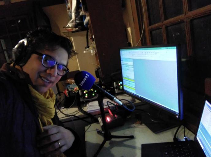 Même Matthieu Belliard, qui présente la matinale d'Europe 1, a opté pour le télétravail © Twitter Belliard