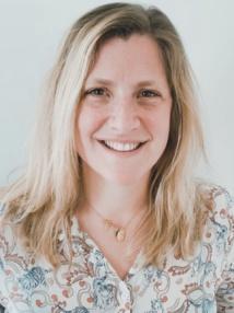 Ophélie Wallaert, 37 ans, est diplômée en sciences politiques (Sciences Po Lille, 2005) et en journalisme (Centre de Formation des Journalistes Paris, 2007).