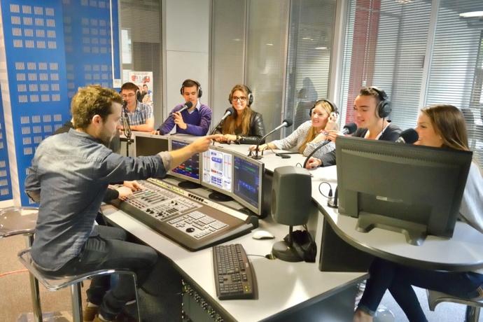 RadioTour  au Studec, le studio Cauet, un espace de training où sont formés chaque année des dizaines de professionnels.