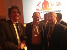 Jean-Eric Valli entouré par l'ancien ministre Luc Ferry et Bertrand de Villiers