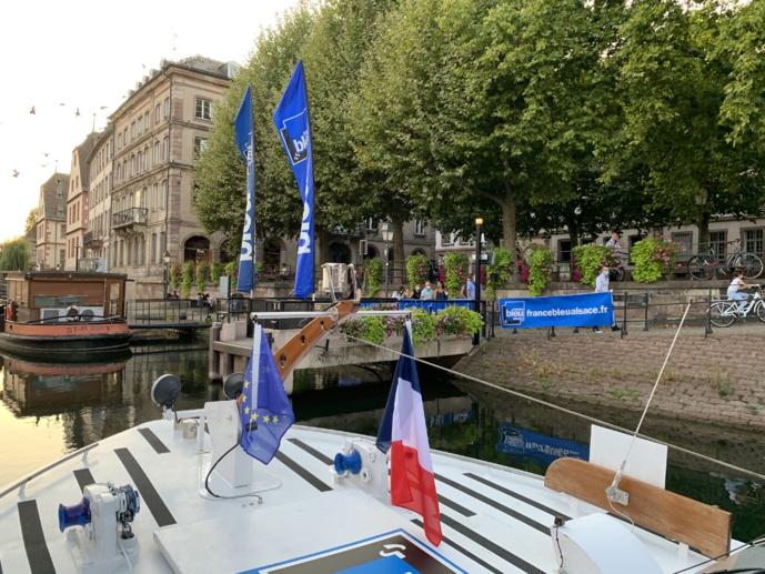 Au fil de l'eau dans le centre-ville de Strasbourg...