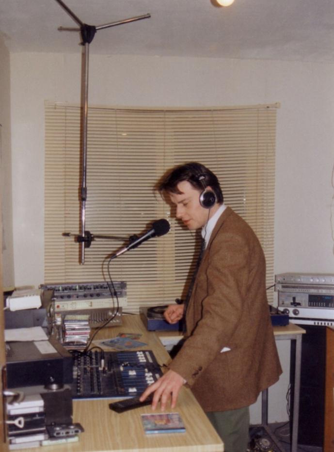 Le premier studio d'Azur en 1995, avec le matinalier Bertrand qui a réveillé Sélestat pendant une dizaine d'années...