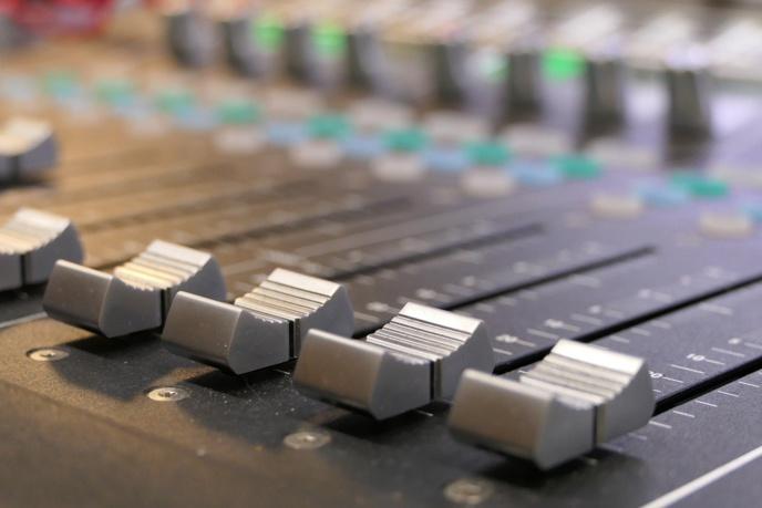 En PACA, 145 opérateurs se partagent 662 fréquences FM et DAB+ © Pixabay / Tomasz Manderla
