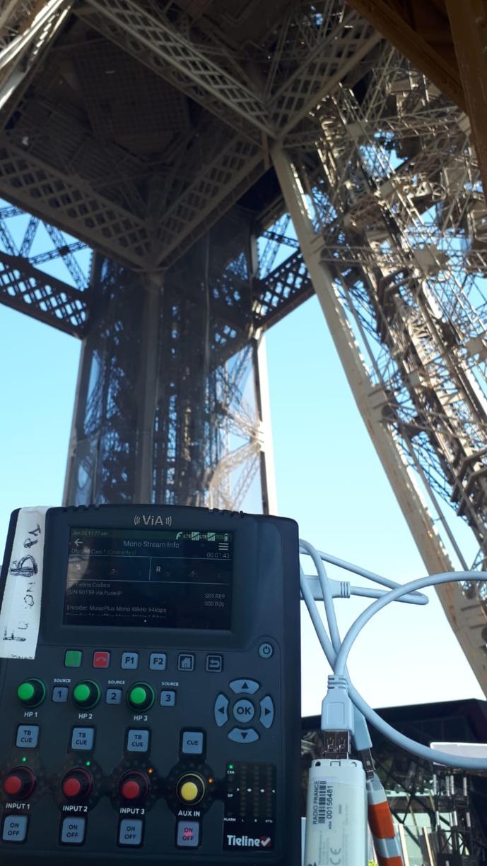 Radio France et codec ViA Tieline à la tour Eiffel. © SAVE Diffusion.