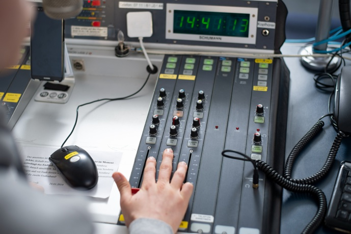 En Languedoc-Roussillon, le DAB+ devrait démarrer en 2021. Sur ce territoire de Languedoc-Roussillon cohabitent, hors service public, 72 opérateurs qui diffusent sur 309 fréquences FM. © Patrick Vexler/Pixabay.