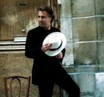 Roberto et son chapeau © Alix Laveau - Deutsche Grammophon
