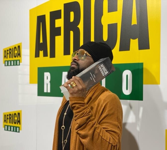 "Africa Radio décerne à Fally Ipupa le Prix ""Artiste 2020"""
