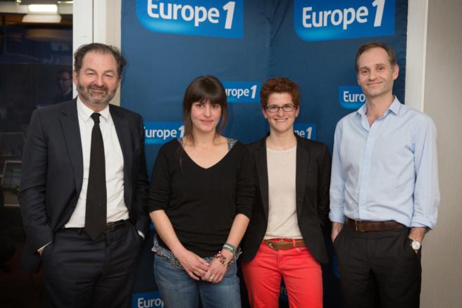 Géraldine Ruiz et Marguerite Lefebvre entourées par Denies Olivennes et Fabien Namias © Julien Lutt / Capa Pictures / Europe 1