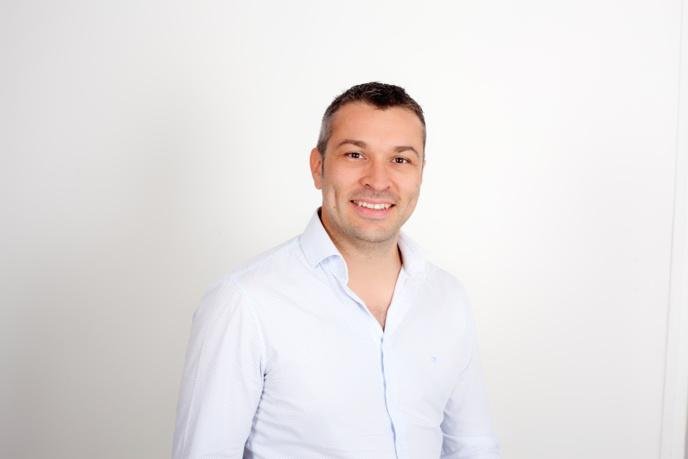 François-Xavier Delacoux développe RTS qui couvre 6 départements avec 9 fréquences. S'ajoute une fréquence en DAB+ à Toulouse...
