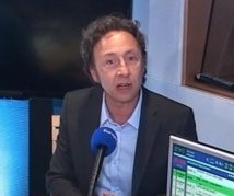 """Stéphane Bern aime """"le bel esprit"""""""
