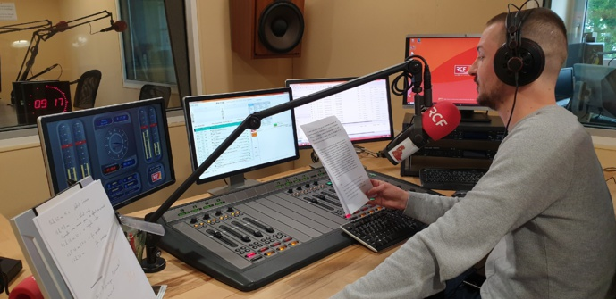 Thomas Dullin, journaliste matinalier sur RCF Finistère