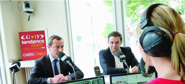 Jean-Baptiste Bancaud, directeur délégué de la radio (à gauche.) et Charles Douchy, son programmateur musical