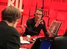 Julien Courbet creuse l'écart