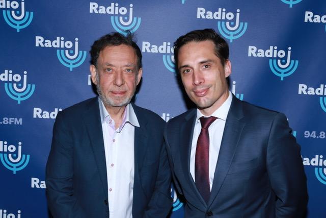 Marc Eisenberg, actionnaire Radio J et Jean-Baptiste Djebarri, ministre délégué chargé des Transports