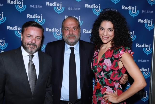 Emmanuel Rials, Eric Dupont-Moretti garde des Sceaux et ministre de la Justice avec Judith Mergui actrice et humoriste à Radio J