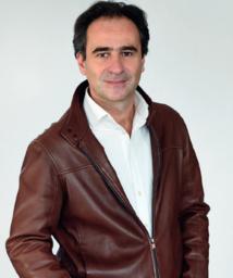Jean-Emmanuel Casalta est le directeur du réseau local de Radio France