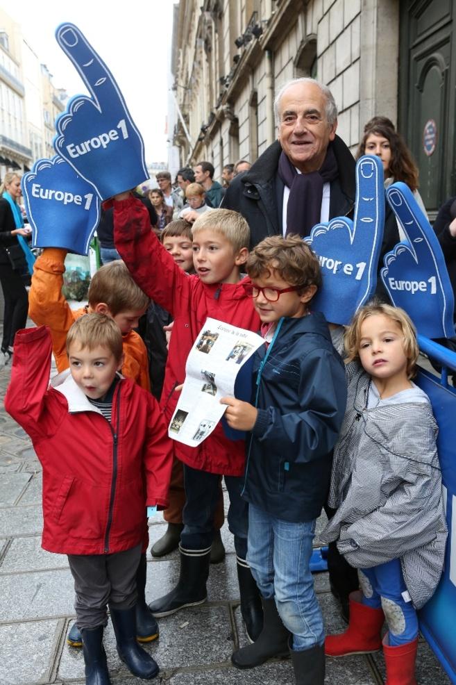 Une des figures d'Europe 1 : le journaliste Jean-Pierre Elkabbach a accompagné les jeunes auditeurs