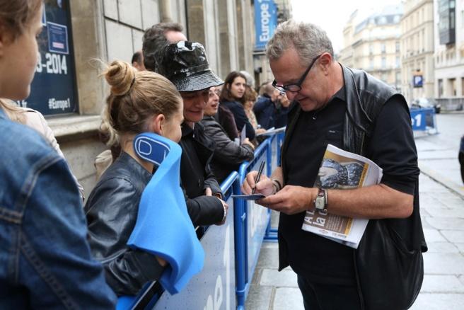 Michel Field a signé quelques autographes devant la radio