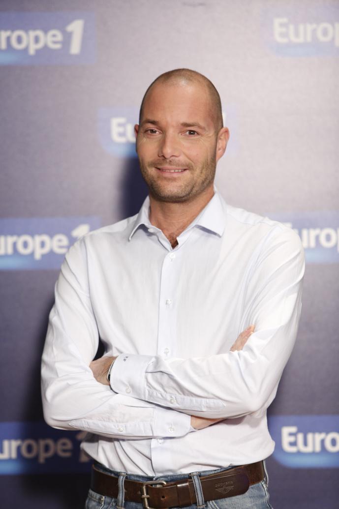 gé de 46 ans, Christophe Carrez est diplômé de l'Institut d'Etudes Politiques de Lille et titulaire d'un DESS de Communication de l'Université Panthéon-Assas.