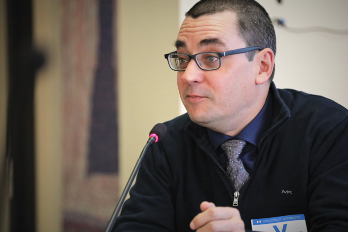 Simon Forgues, directeur des communications à l'Alliance des radios communautaires du Canada. © ARCC