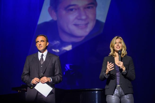 Nikos Aliagas et Wendy Bouchard ont présenté ce concert de soutien © Capa Pictures / Europe 1